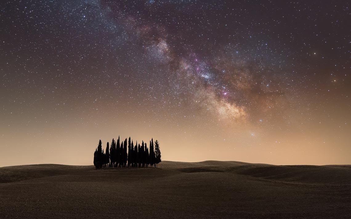 Val Orcia Toscana Nikon School Workshop Paesaggio Notturna Via Lattea Startrail 00078