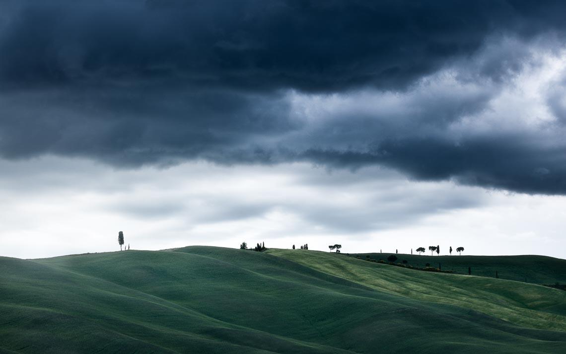 Val Orcia Toscana Nikon School Workshop Paesaggio Notturna Via Lattea Startrail 00086