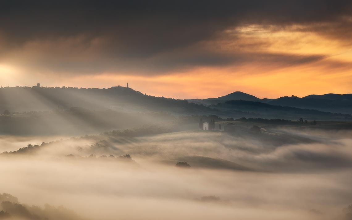 Val Orcia Toscana Nikon School Workshop Paesaggio Notturna Via Lattea Startrail 00087