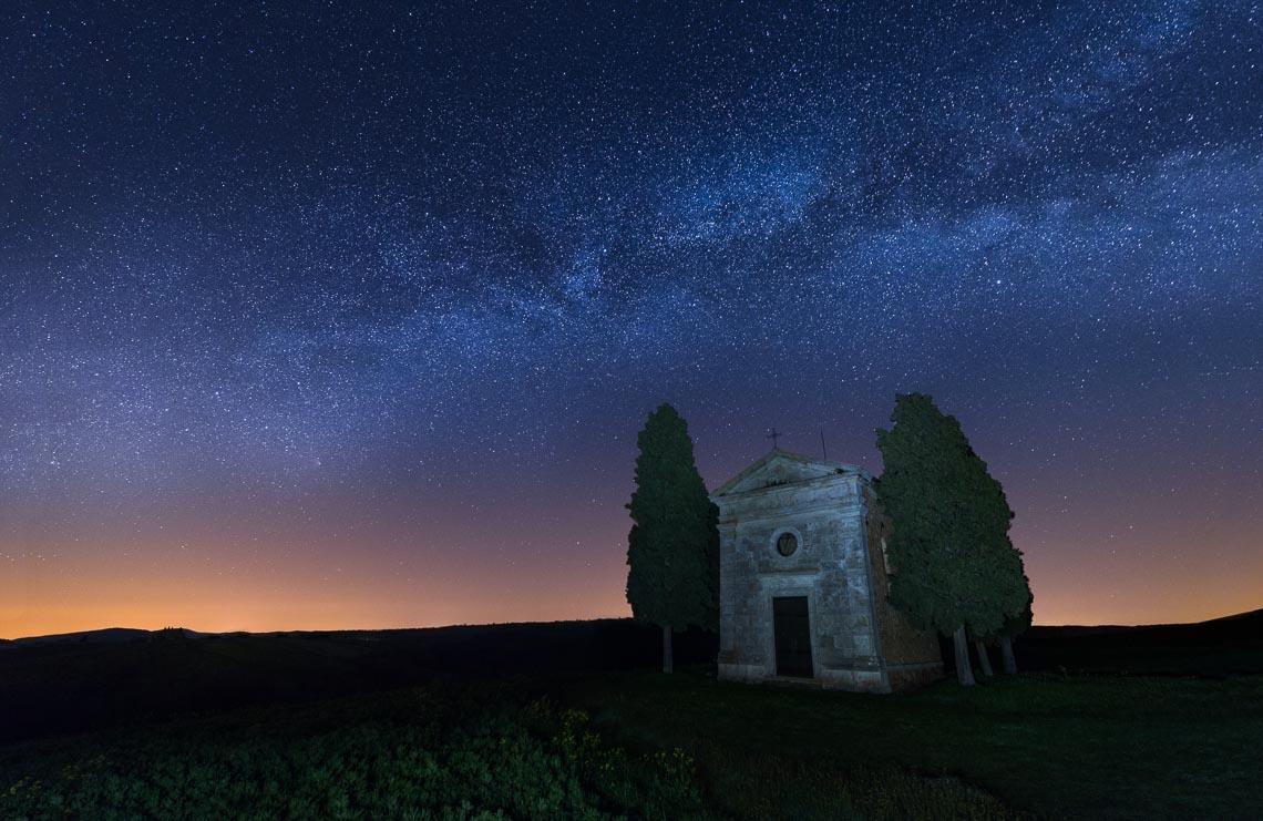 Val Orcia Toscana Nikon School Workshop Paesaggio Notturna Via Lattea Startrail 00003