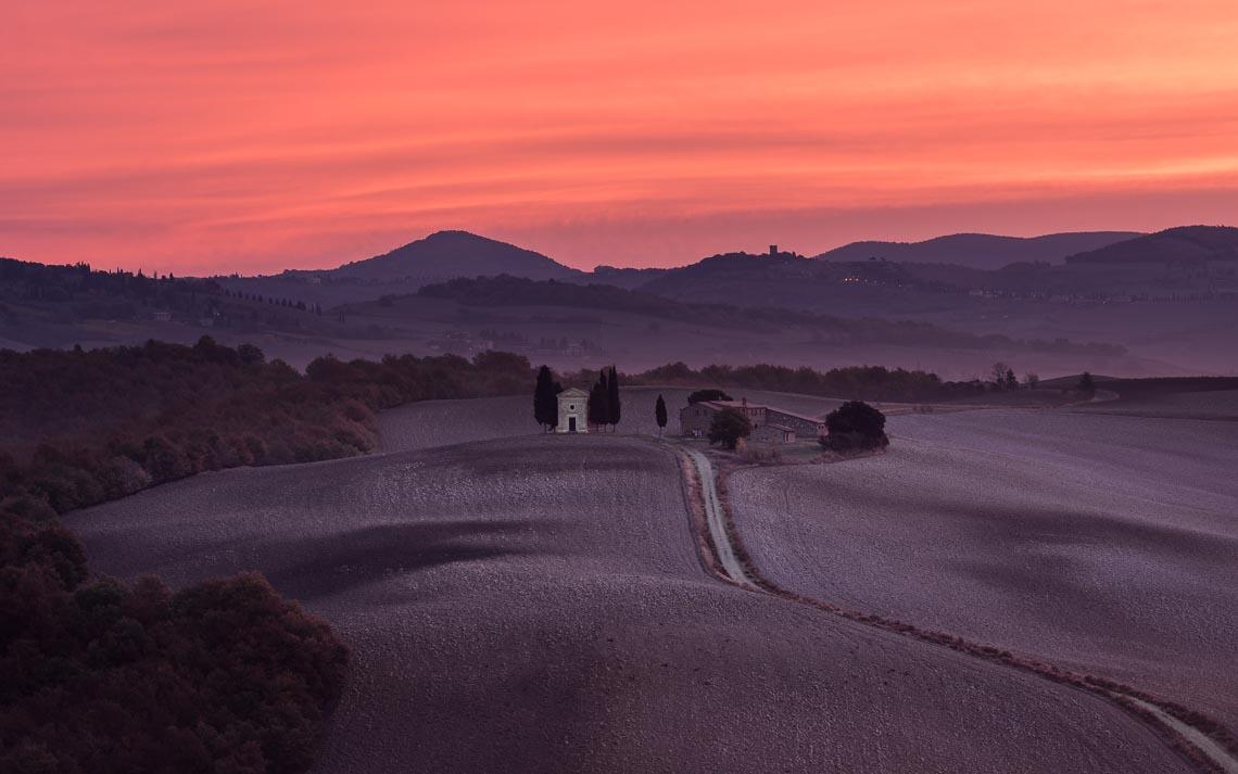 Val Orcia Toscana Nikon School Workshop Paesaggio Notturna Via Lattea Startrail 00020