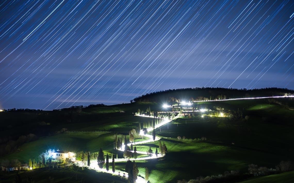 Val Orcia Toscana Nikon School Workshop Paesaggio Notturna Via Lattea Startrail 00029